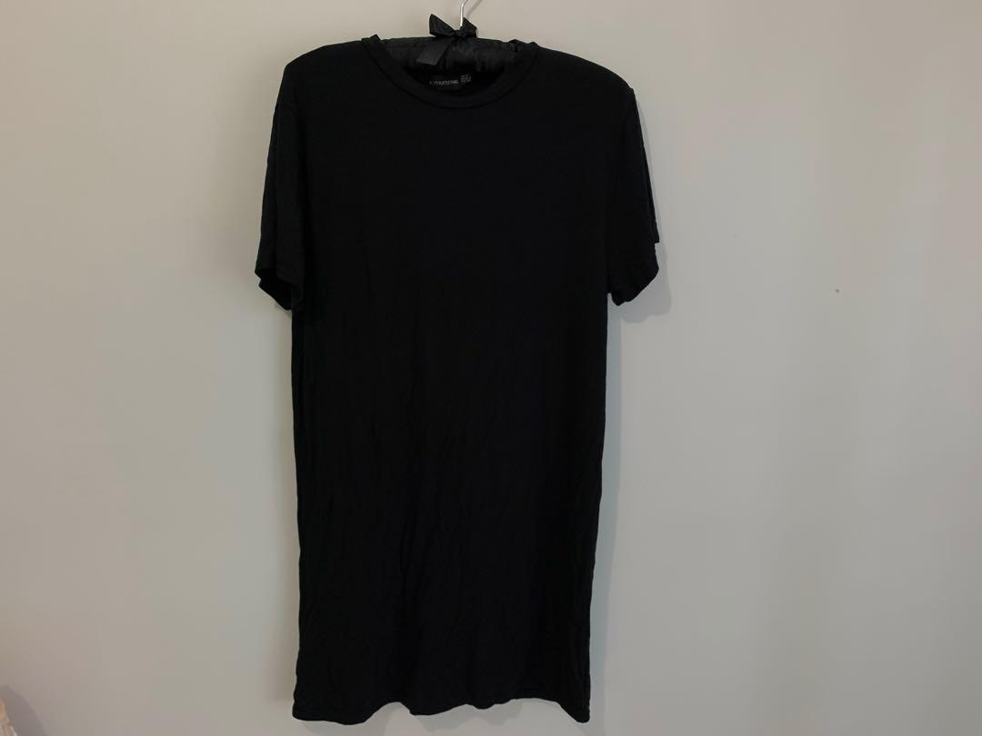 New black t shirt dress size 8 pretty little thing