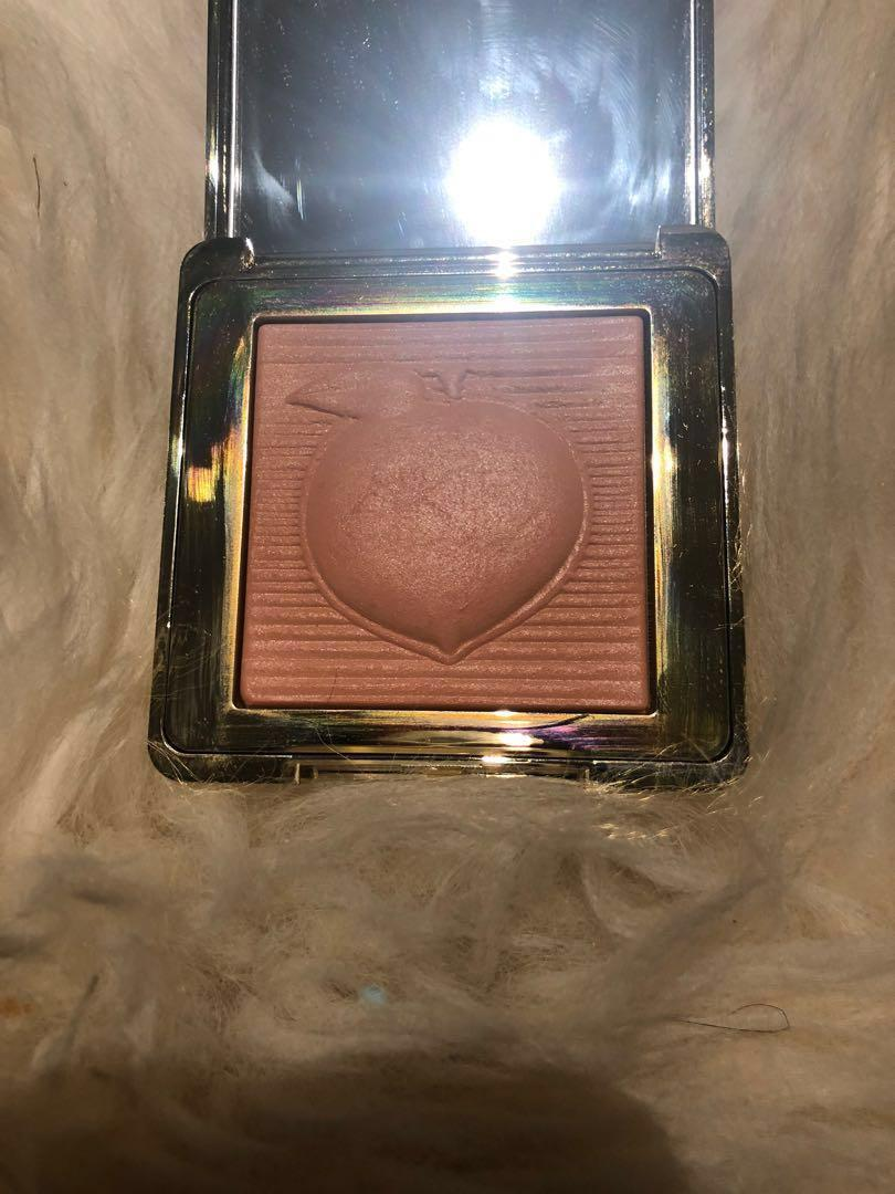 Too Faces Peach Blur Translucent Smoothing Finishing Powder
