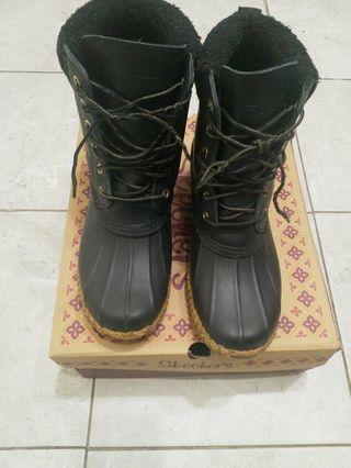 Skechers winter shoes size 8
