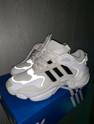 愛迪達 adidas magmur runner EE5139