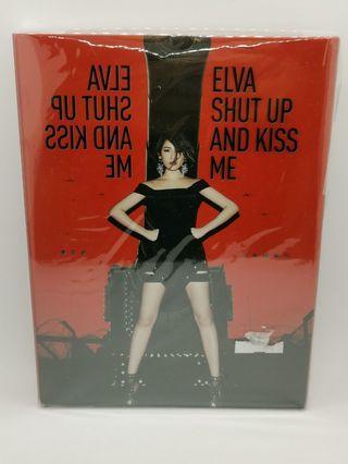 蕭亞軒Elva 不解釋親吻 正式版  歌詞本有簽名