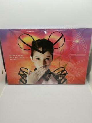 蕭亞軒Elva Super Girl 愛無畏 預購版2  簽名版, 封面簽名