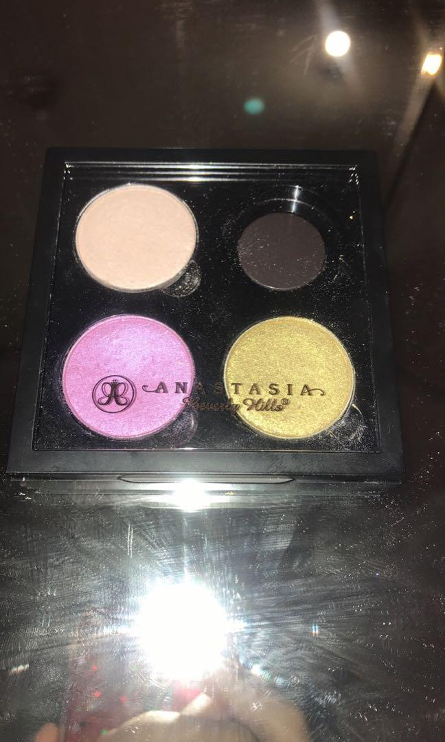 Anastasia Beverly Hills Single Eyeshadow & 4 Pan Palette
