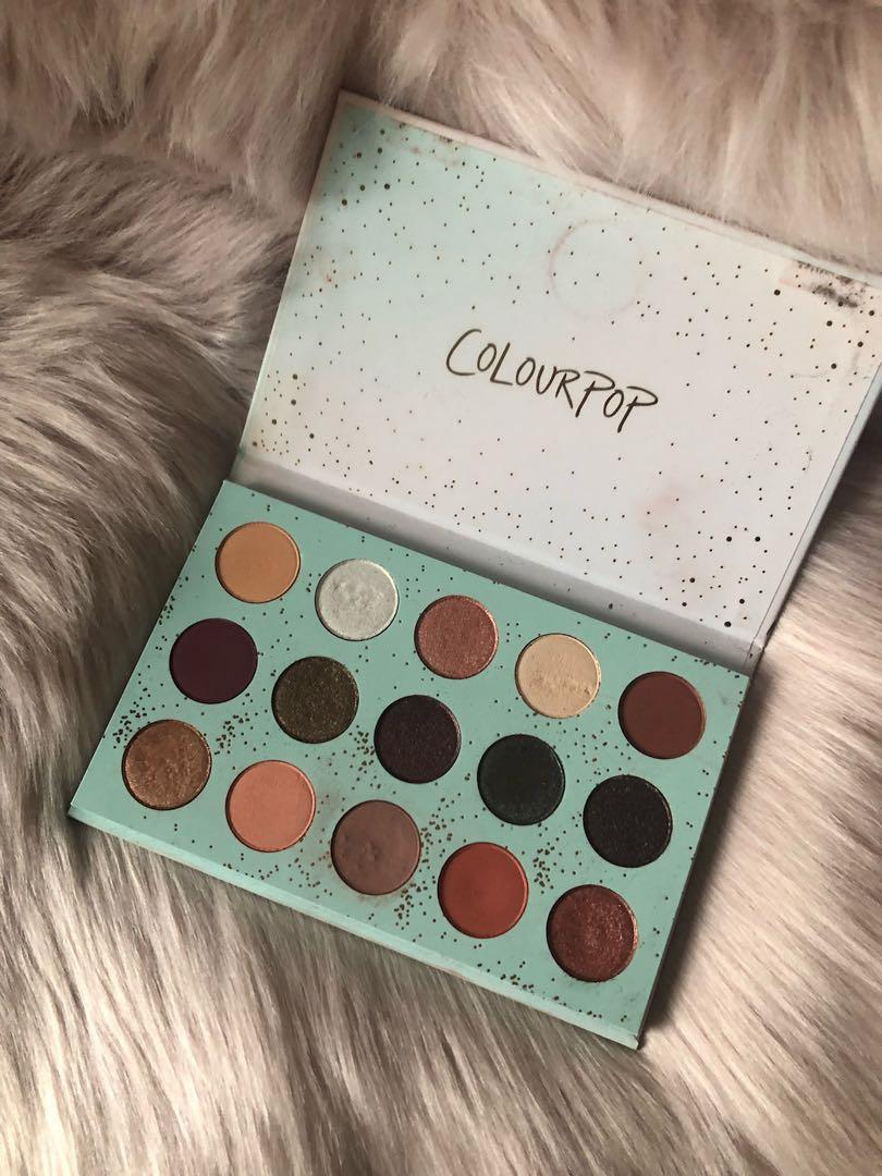 Colourpop all I see is magic limited edition Christmas eye shadow palette