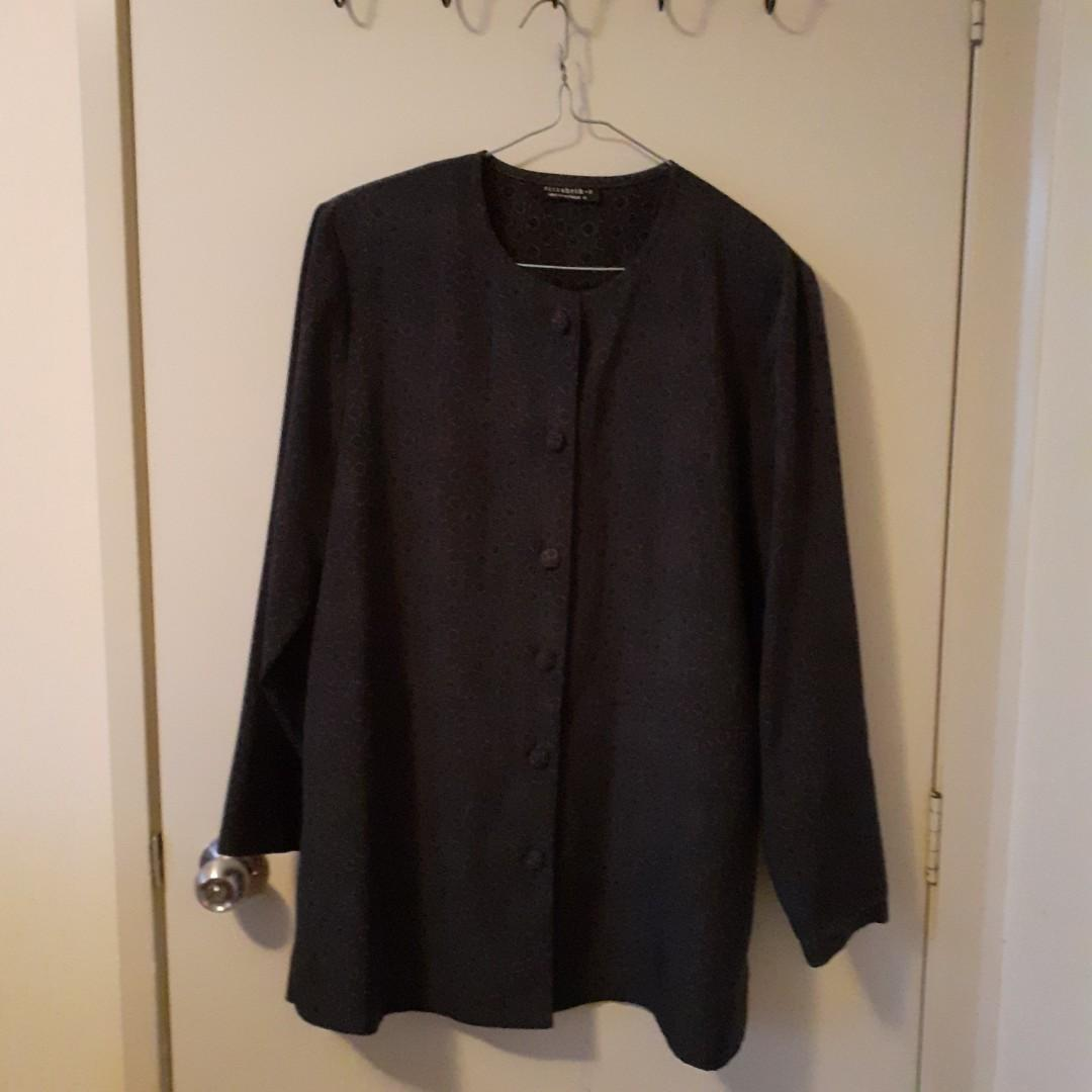 Elizabeth S jacket in size 16 (with padded shoulder)