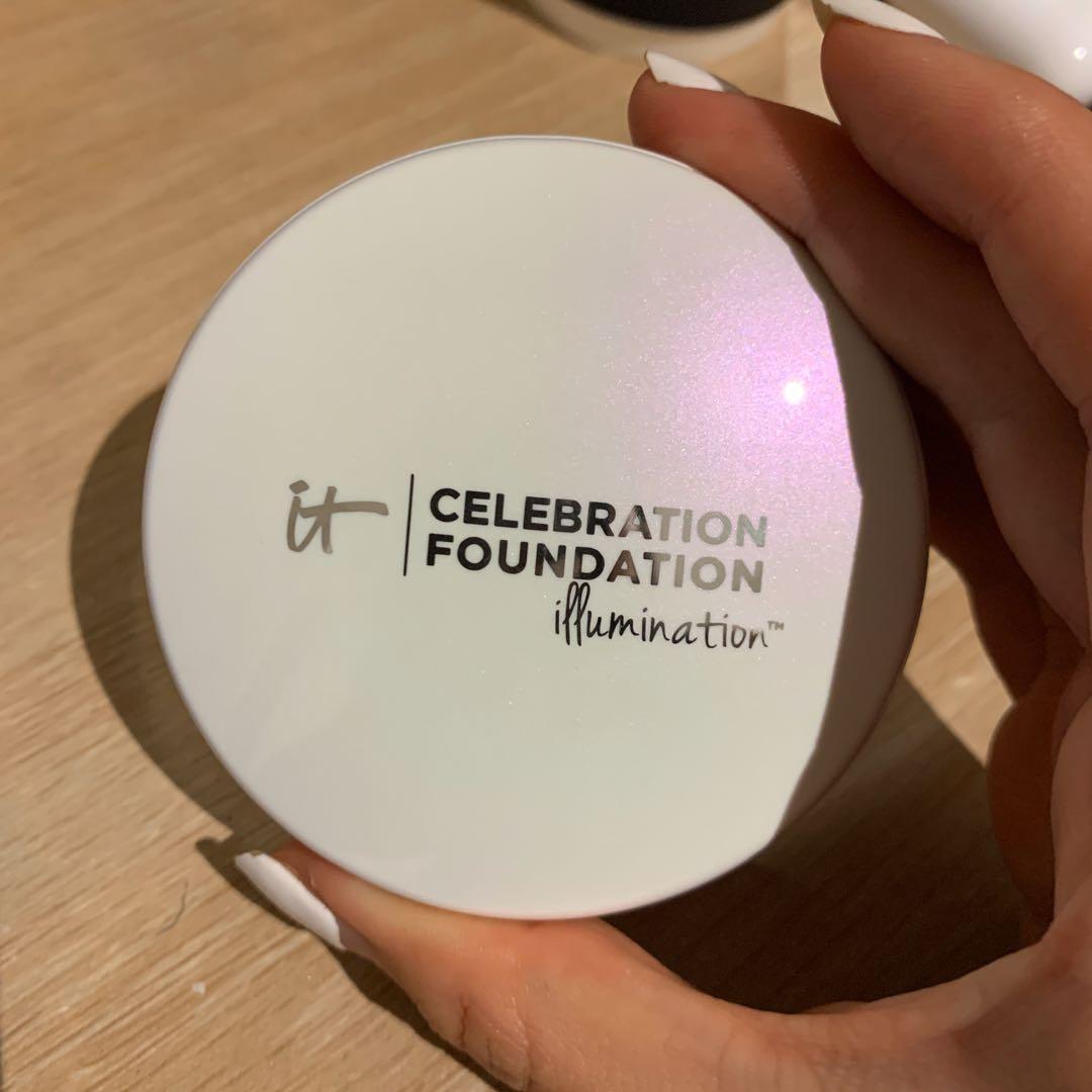 It Cosmetics Celebration Foundation Illumination Light