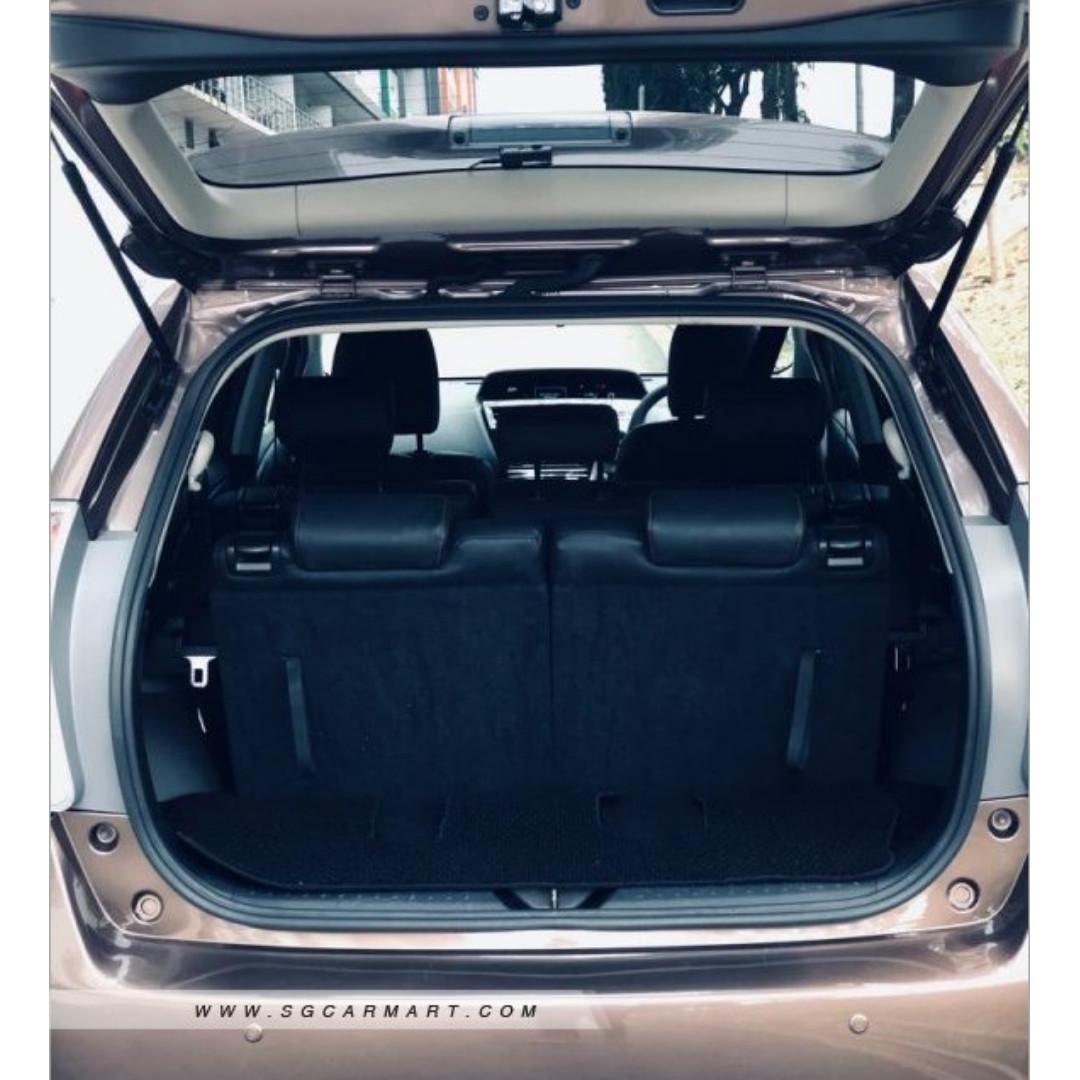 Toyota Prius + 1.8 Auto
