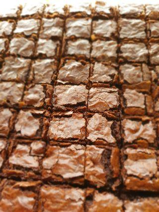 64 small square pieces of delicious fudge brownies