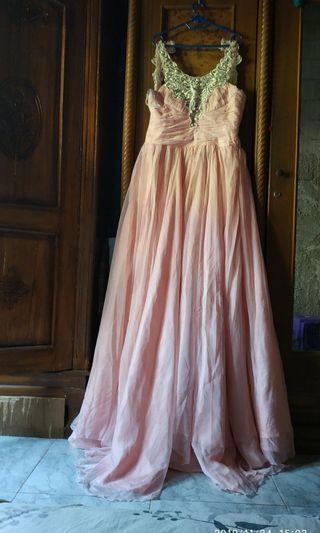 Wedding gown / gaun pengantin / party dress/gaun  pesta/gaun prewedding