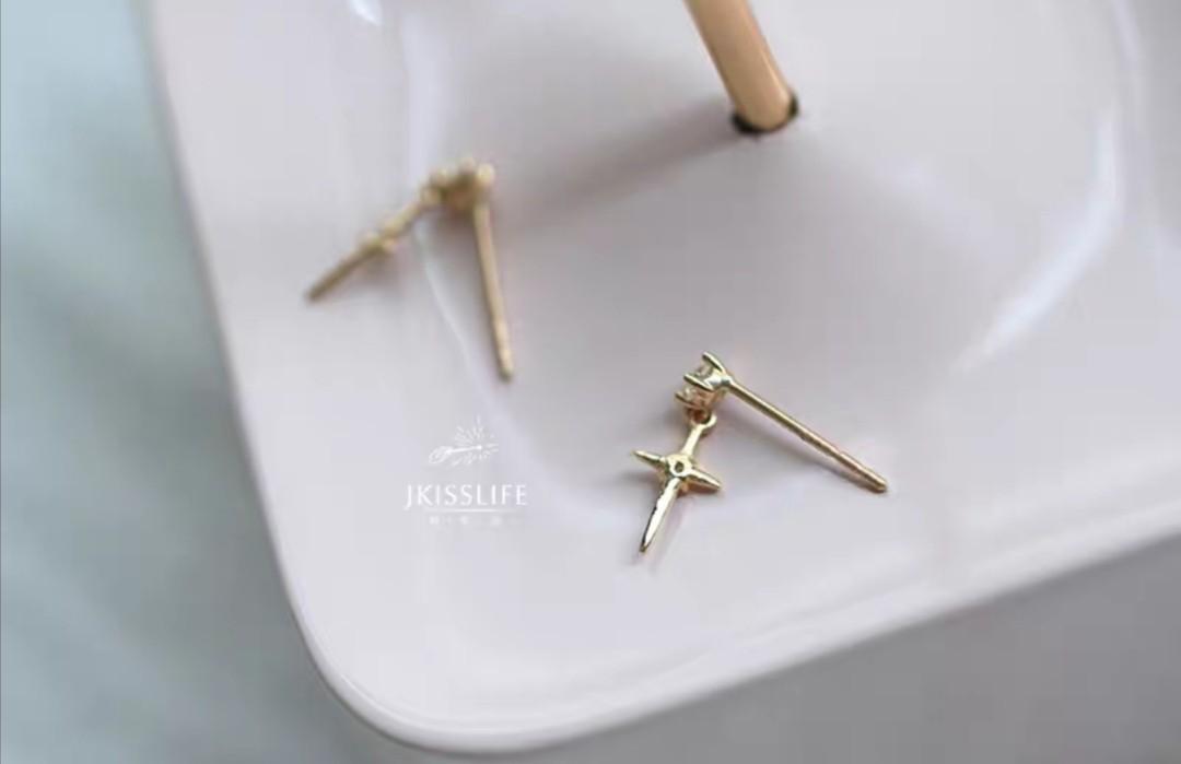 Jane Life 9k gold exquisite minimalist personality star Mango European casual temperament earrings