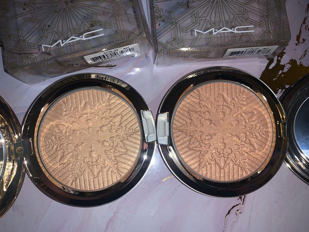 MAC Face Powder Opalescent in Happy Go Dazzling and Here Comes