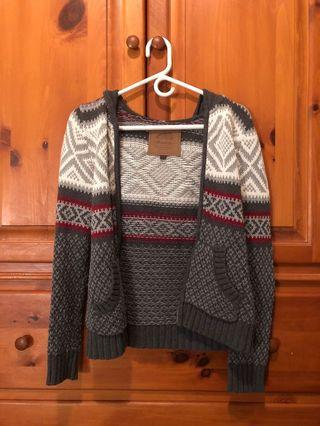 Roots Canada - zip up grey knit sweater with pockets (XS)
