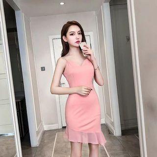 #正韓 氣質性感小洋裝 #溫柔婉約粉膚色