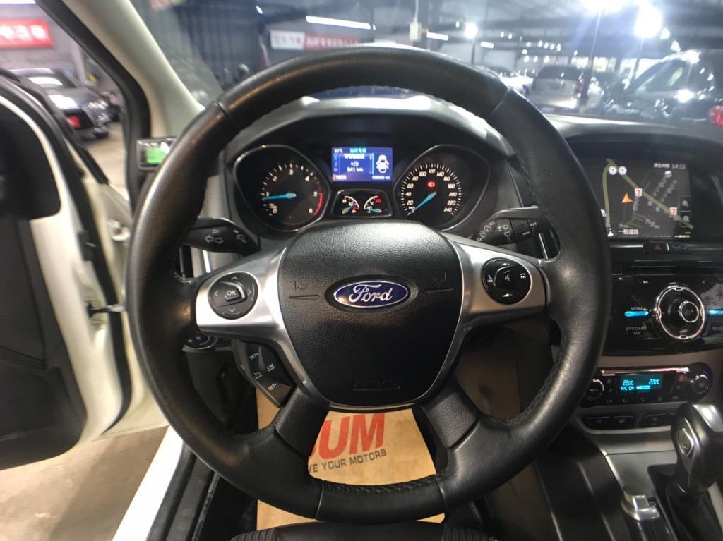 2015年 最新款五門掀背Ford Focus 2.0TDCI 柴油頂級!! 🎉新款外觀直接幫你改好改滿!  非自售~~