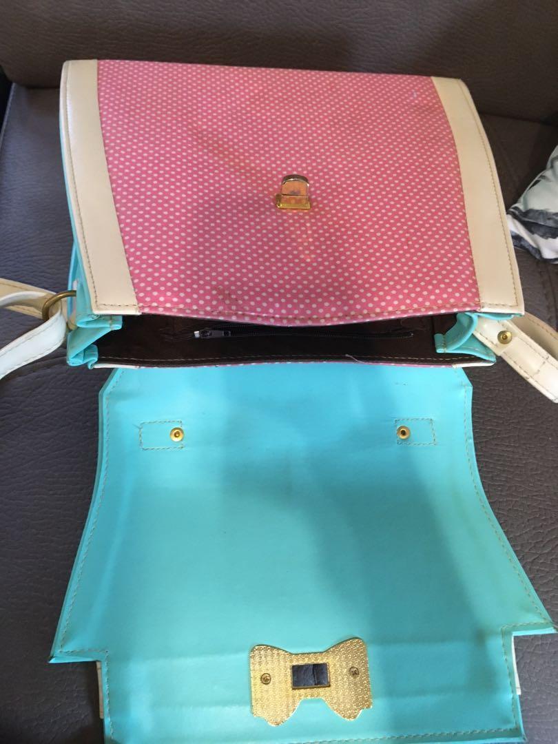 Adorable kawaii/harajuku style handbag with bow detail
