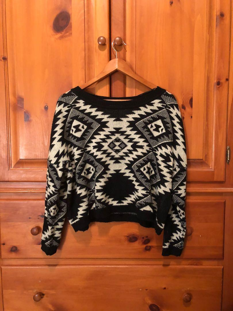 Costa Blanca - black white cropped geometric print sweater (M)