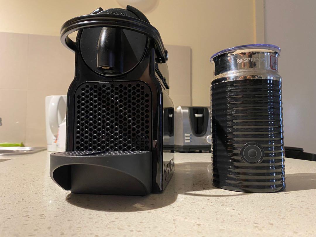 NESPRESSO by DeLonghi Inissia Capsule Coffee Maker Black EN80BAE (comes with milk steamer)