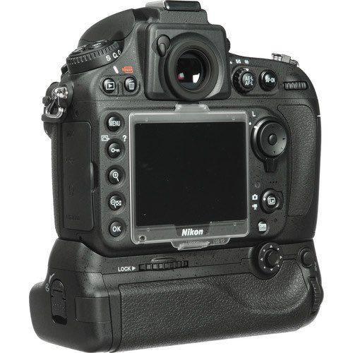 Nikon D800 with MB-D12 Battery Grip