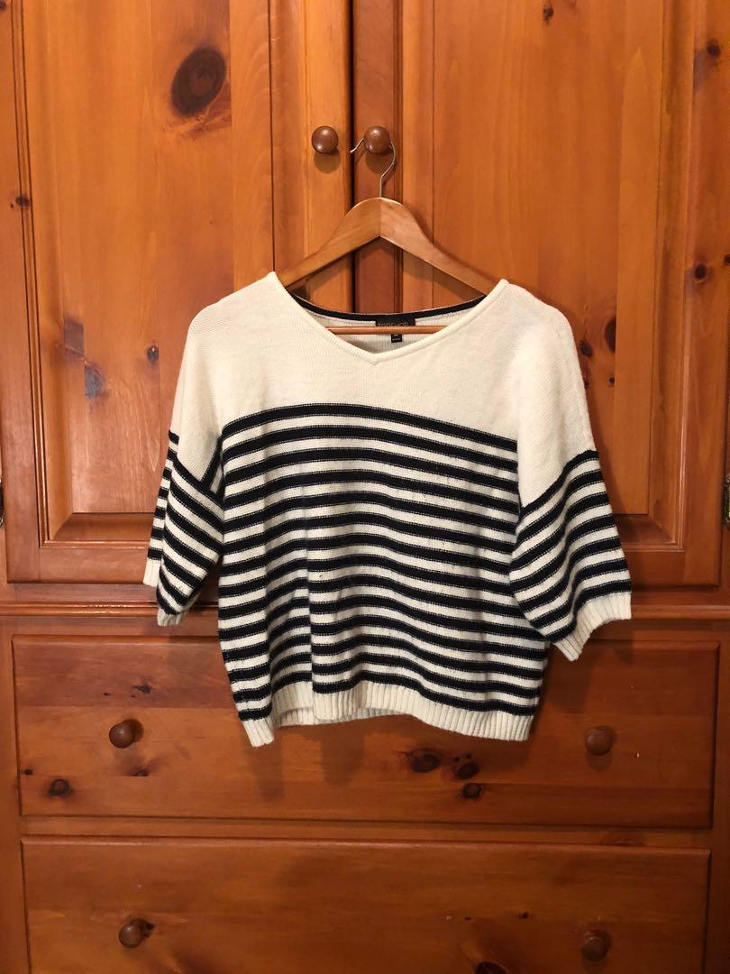 Top Shop - white/navy striped v-neck sweater (US 2, UK 5)