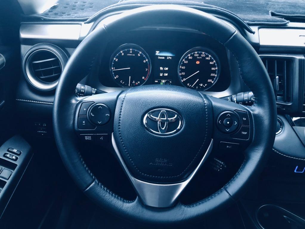 2017年 TOYOTA RAV4  2.0頂級  新車售價 100.9萬  現售480000