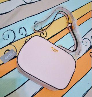 現貨1🎏正版 JP 日本帶回 GUESS 日系 粉色 基本款 亮面皮革 小包 斜背包 側背包 潮流 復古 歐美