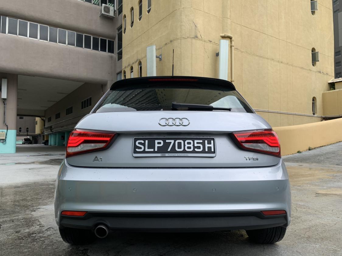 Audi A1 Sportback 1.0 TFSI S tronic 5-Dr Manual