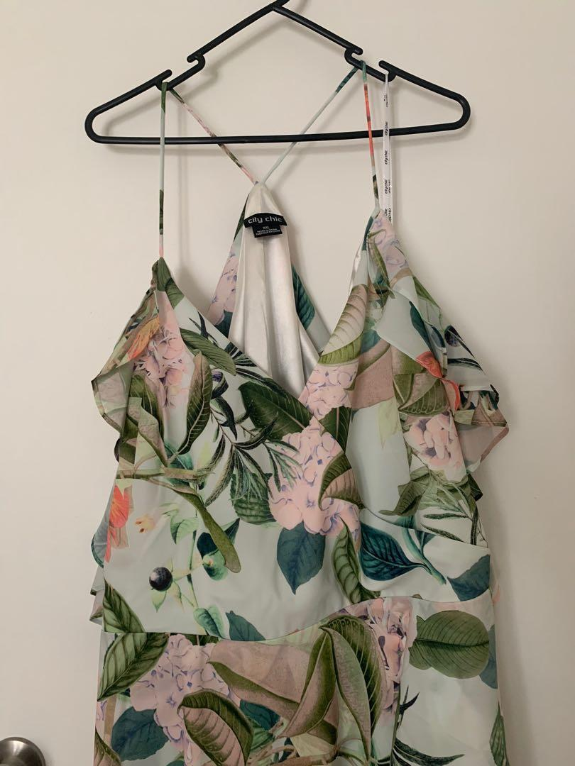 City Chic Floral Dress XXL size 22 never worn (new without tags)