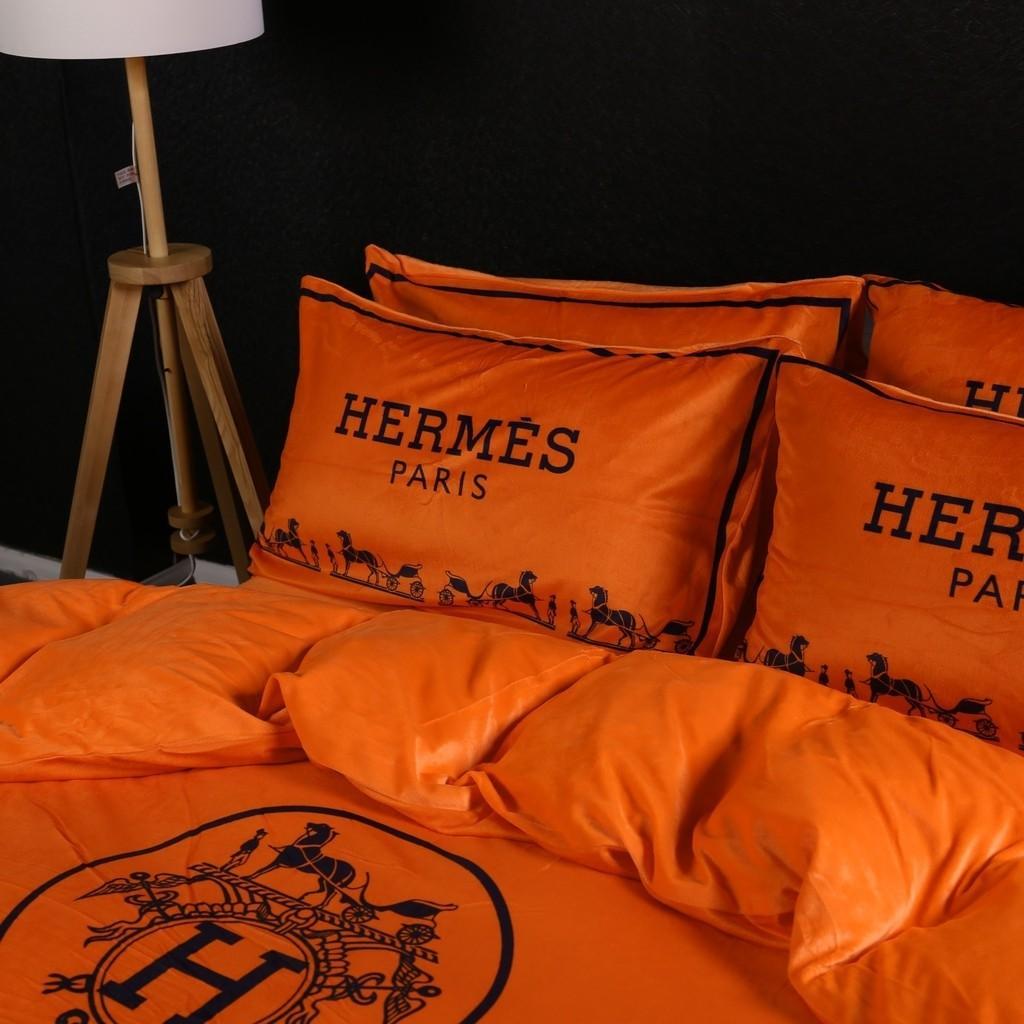 Hermes silky soft luxurious velvet bedsheet set