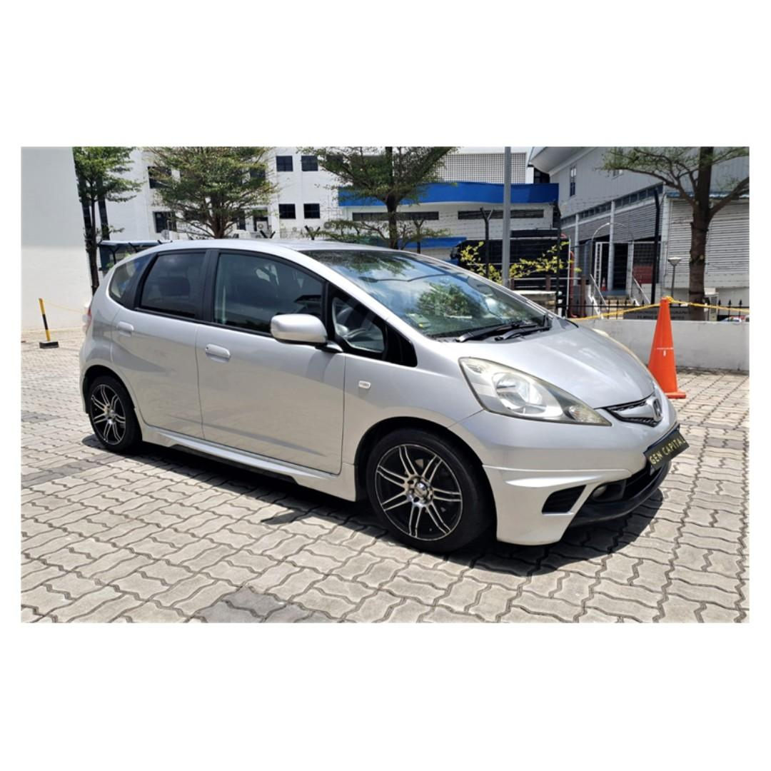 Honda Jazz - Loves listening to jazz in your car? Get the Honda jazz to compliment your taste ! @97396107