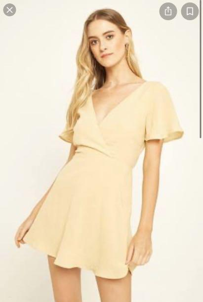 Perfect stranger dreamy tie back yellow dress size 10