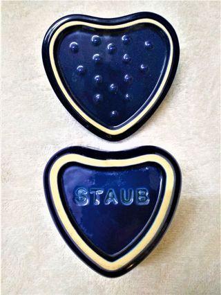 法國Staub 琺瑯愛心鑄鐵鍋(寶石藍)
