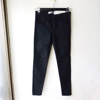 日本品牌SLY JEANS黑色素面單寧彈性材質合身款長褲0號