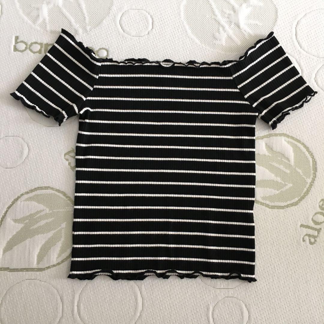 Bardot Size 8 Black And White Off Shoulder Lettuce Hem Short Sleeve Crop Top