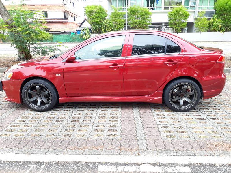 Mitsubishi EX sporty red monthly rental personal usage