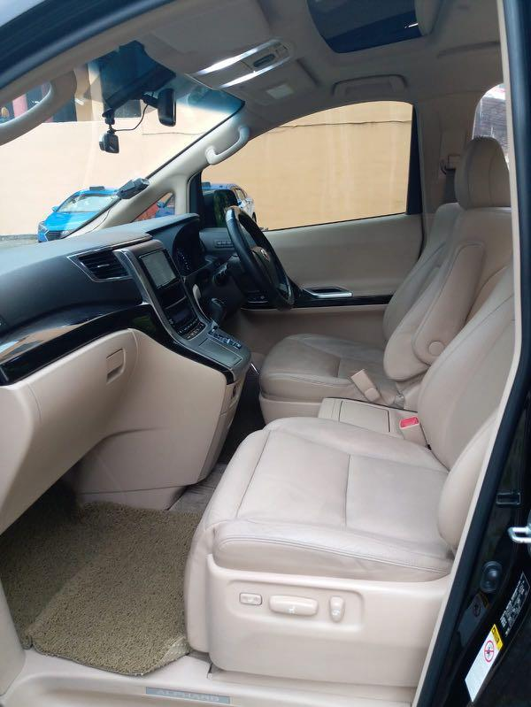 Toyota Alphard 2.4 G Moonroof (A)