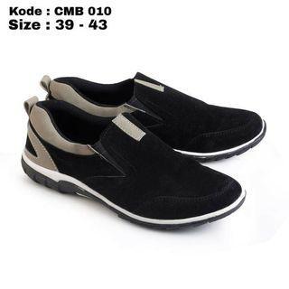 Sepatu Slip on Pria Hitam Original CMB 010