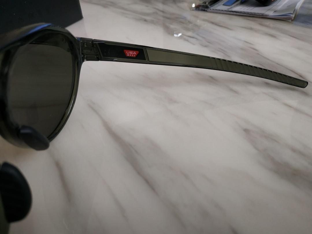 Authentic Oakley Sunglass - Forager