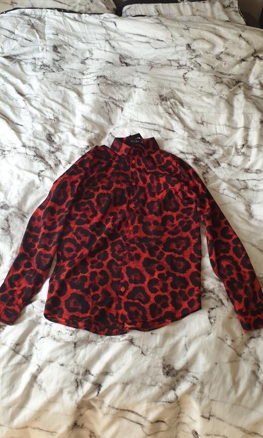 Boohoo boohooman long sleeve red leopard print shirt size XS