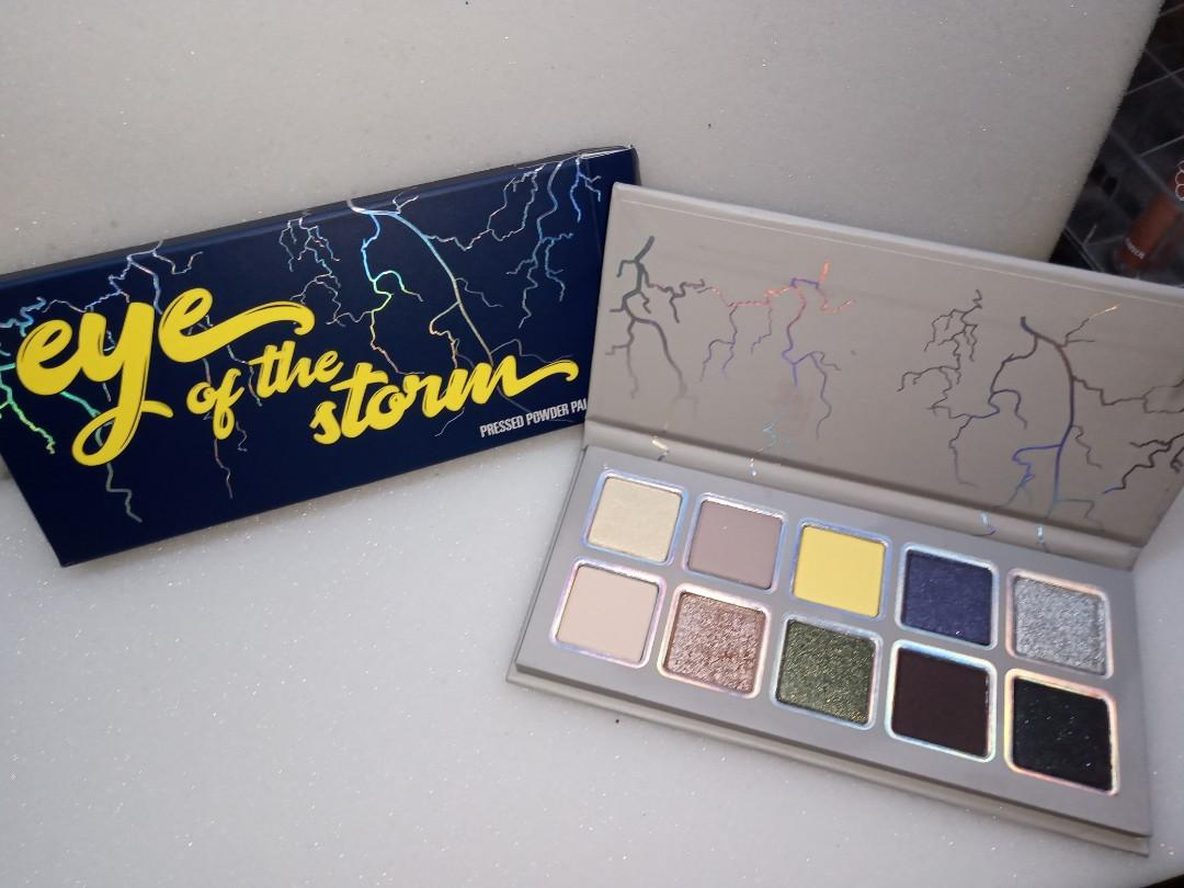 Kylie cosmetics - eye of the storm eyeshadow palette