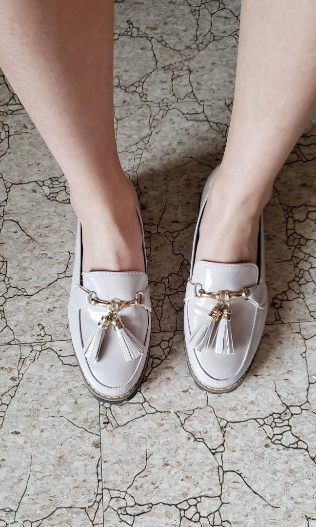 Women's Loafer Shoes / Dress Shoes ( Cream , Almond )