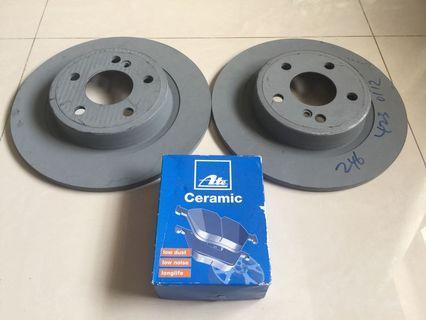 Brembo Front Brake Kit Ceramic Pads Sensor /& Disc Rotors for Mercedes X156 C117