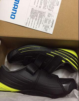 Shimano cycling 🚴♀️ cleat shoe/ size 42 / All new