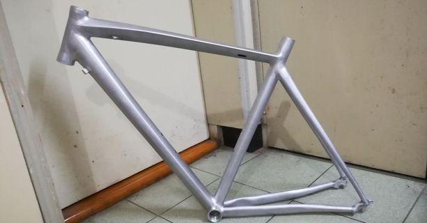 Road bike cycling frame (no painting) / bianch original/ 7005 / 54