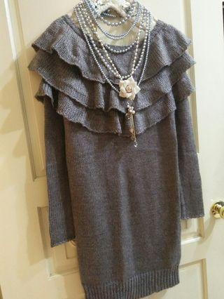 iROO  專櫃 近新羊毛荷葉邊連身洋裝