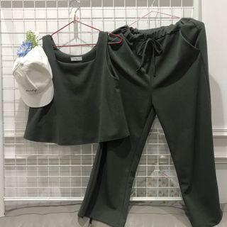 一套 深墨綠 氣質無袖 +修身長褲 F size  #出清2019