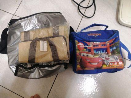 三個保溫袋。大中小