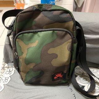 Nike SB 側背包 斜背包 小包 BA5849-210迷彩
