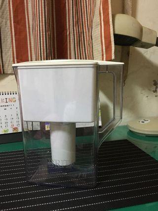 二手 Brita冷水壺 濾水壺