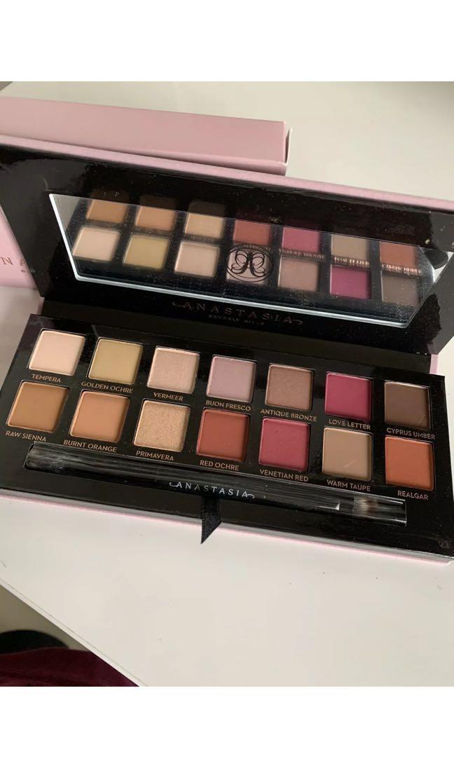 Anastasia Beverly Hills modern renaissance palette - brand new