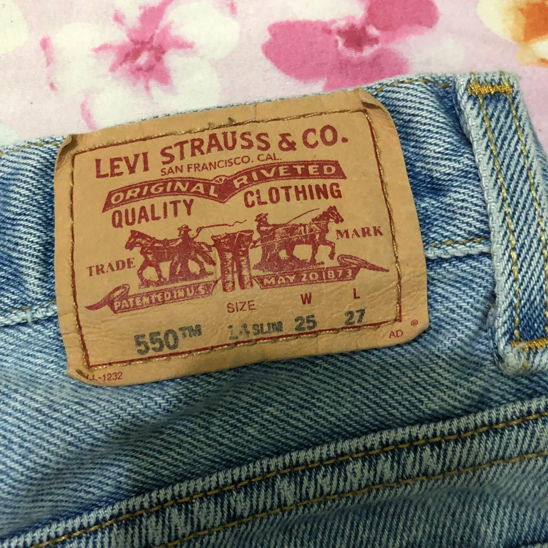 levis 550 vintage light wash denim shorts